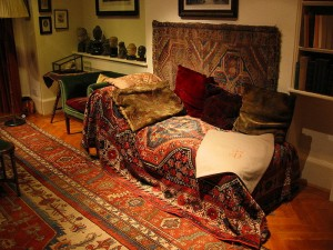 The Distinguished Thing - Freud's sofa